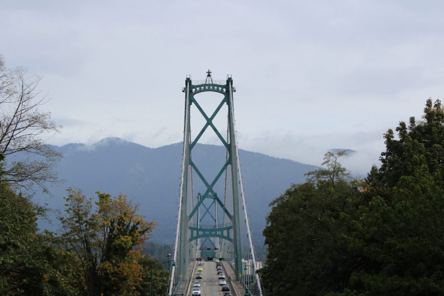 Lionsgate Bridge on the Vancouver City Tour