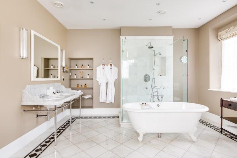 Kauto Star Suite bathroom
