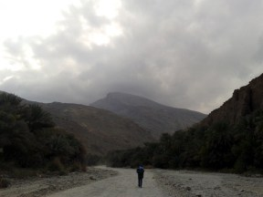 Into the mountains at wadi as-Sahtan