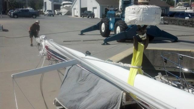 Stepping a sailboat mast