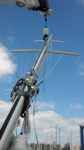 A Brand New Paint Job, Re-rig, and New Headsail Furler......Getting Stepped! Peterson 44.