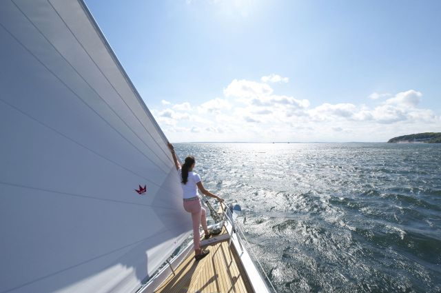 deck sweeping, self tending headsail, Hanse 575