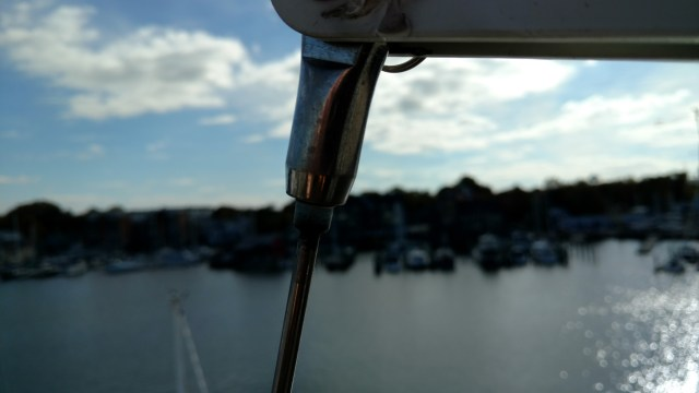 J105's should have toggles at the top and bottom of the backstay