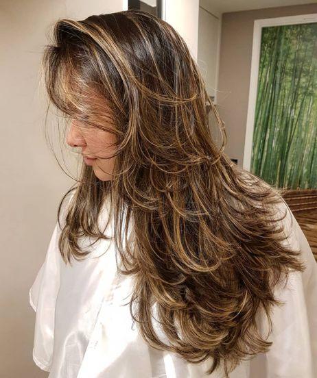 Messy Long Layered Haircut With Highlights