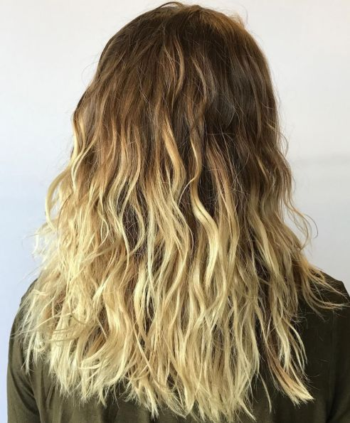 Blonde Loosely Waved Hairstyle