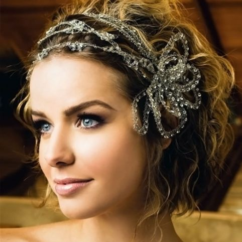 wedding hairstyle for short wavy hair
