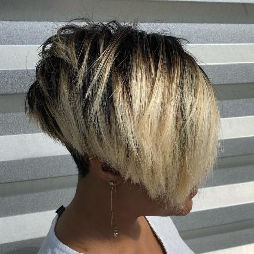 Inverted Jaw-Length Bob With Blonde Balayage