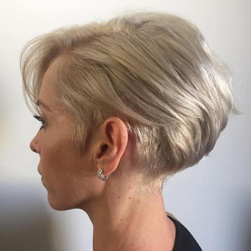 MindBlowing Short Hairstyles For Fine Hair - Bob hairstyle behind ears