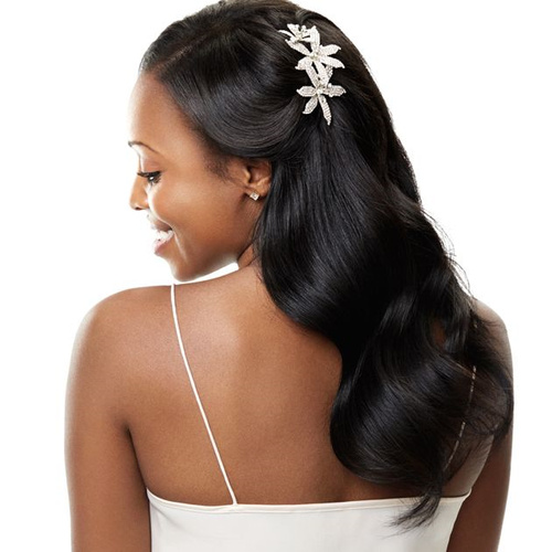 bridal wavy hairstyle for black women