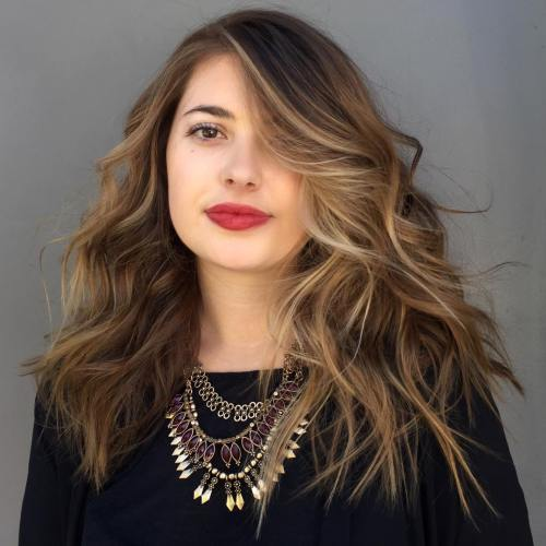 Long Wavy Hairstyle For Full Faces