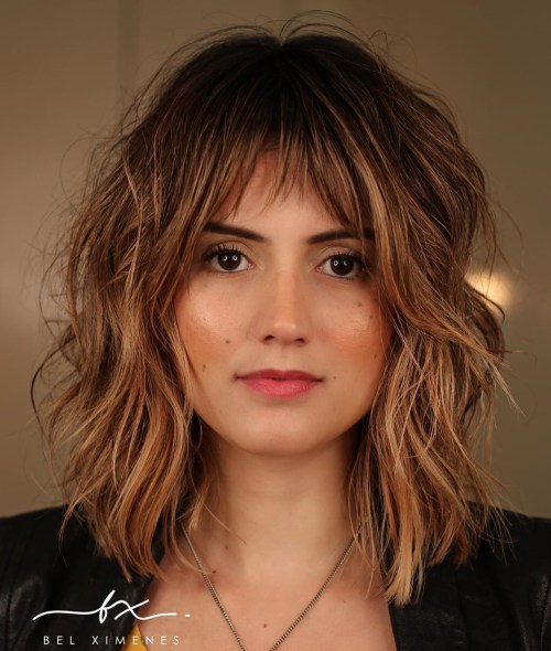 Shoulder-Length Hairstyle With Shaggy Layers