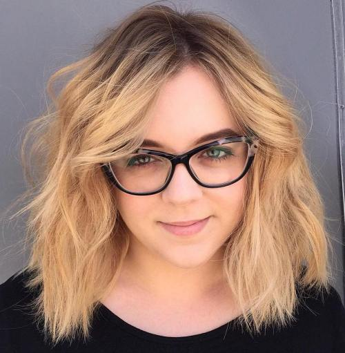 Shaggy Side-Parted Bob Hairstyle