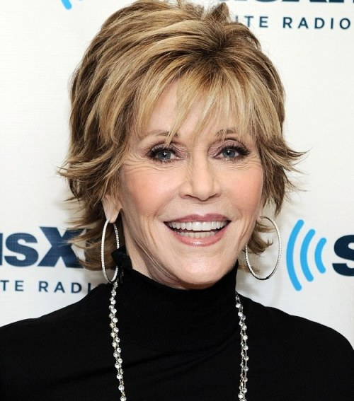 Jane Fonda hairstyle with highlights