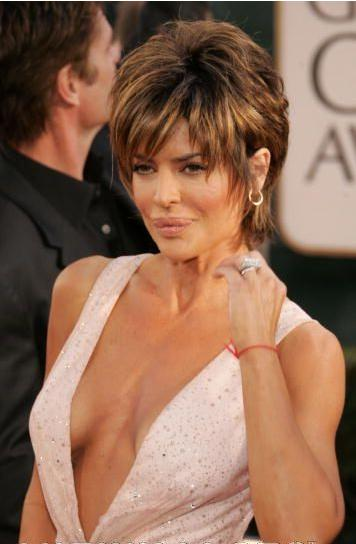 Lisa Rinna short haircut
