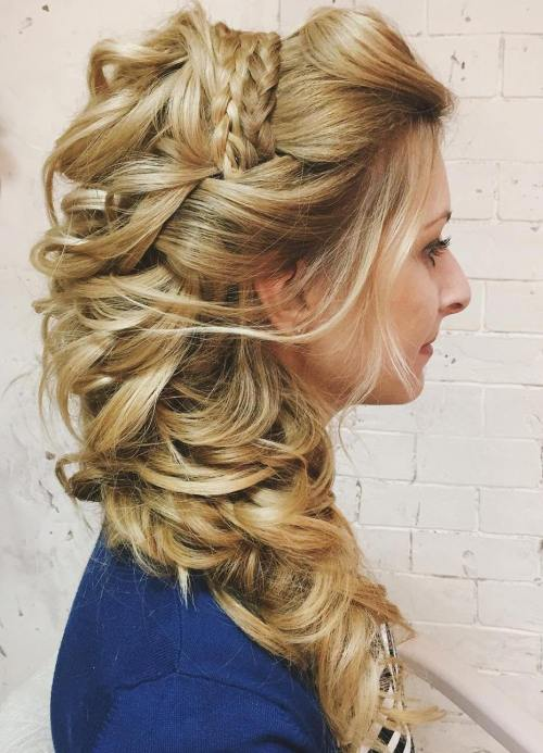 Awe Inspiring 45 Side Hairstyles For Prom To Please Any Taste Hairstyle Inspiration Daily Dogsangcom