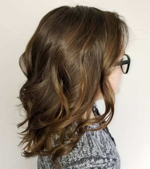 Medium Hairstyle With Loose Waves