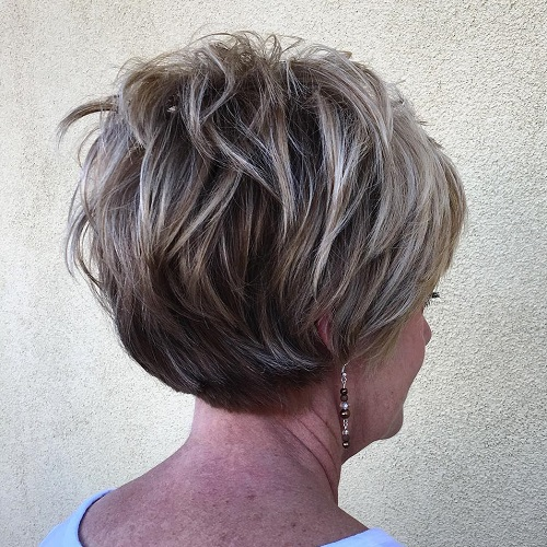Short Layered Hairstyle With Highlights