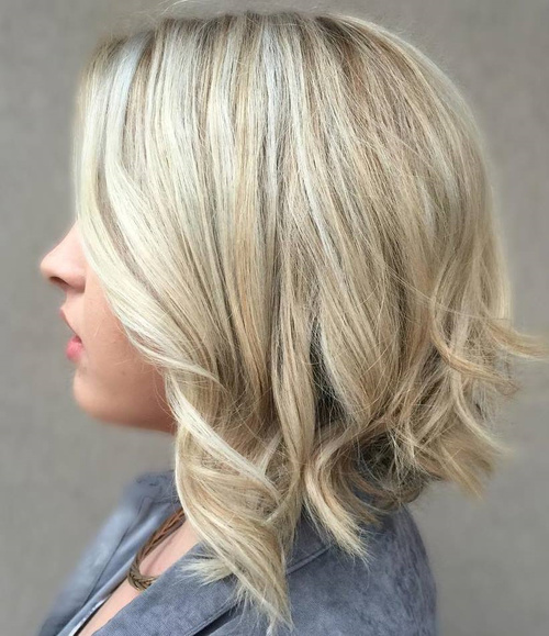 Sexy blondes wit a-line bob hairstyles