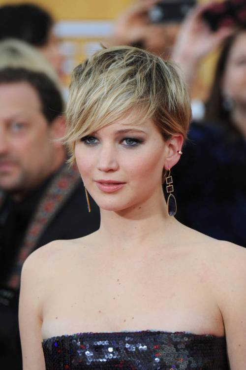Jennifer Lawrence short funky hairstyle
