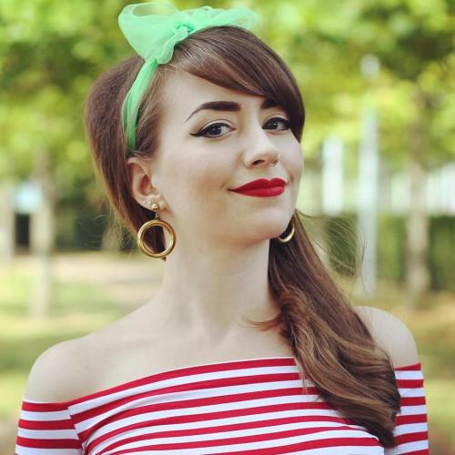 Side Vintage Hairstyle For Long Hair