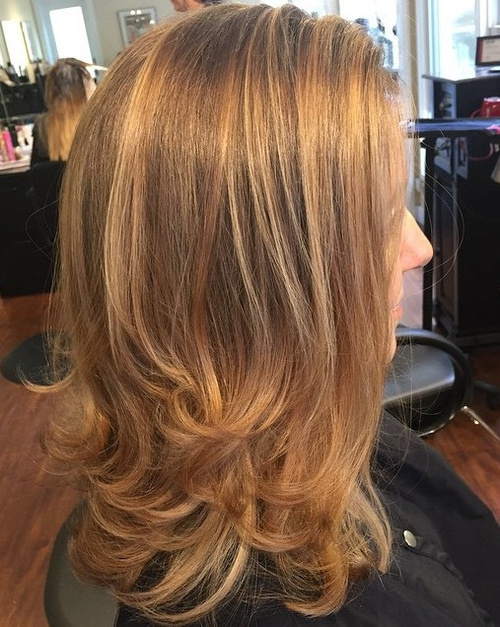 medium length golden brown hairstyle
