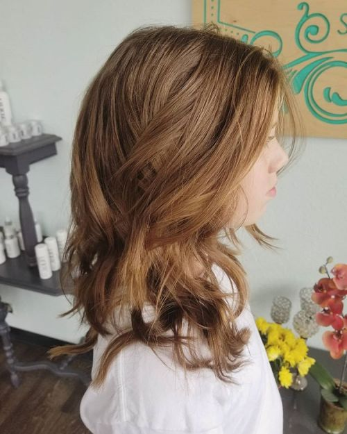 Messy Hairstyle For Shoulder-Length Hair
