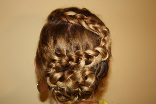 dutch zigzag braid hairstyle