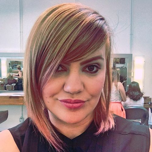 medium hairstyle with bangs and highlights