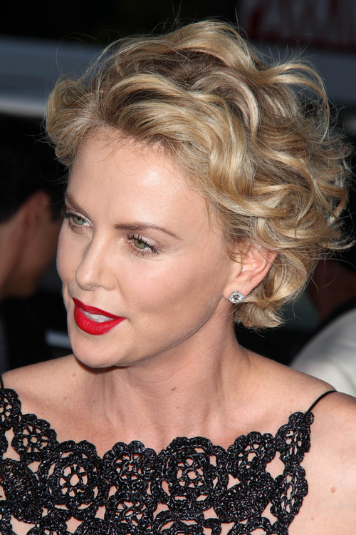 Short Hairstyles For Women With Thick Wavy Hair And Square