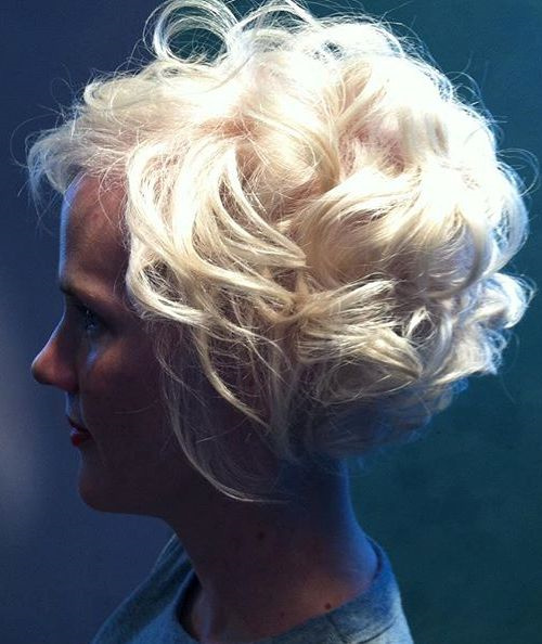 Enjoyable 40 Different Versions Of Curly Bob Hairstyle Hairstyle Inspiration Daily Dogsangcom