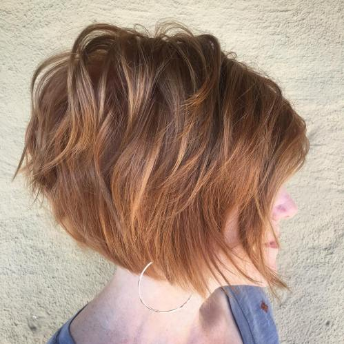 Jaw-Length Wavy Layered Bob