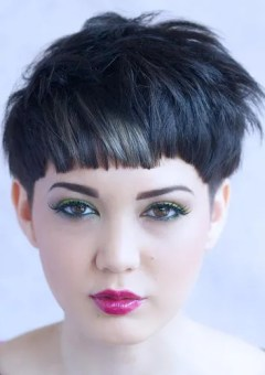 Hairstyles And Haircuts For Round Faces In 2019 Therighthairstyles