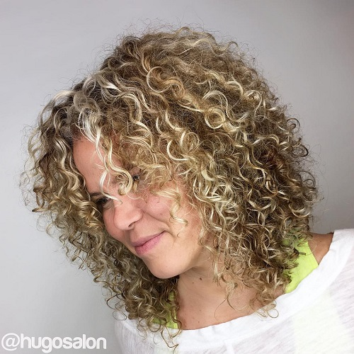 Super 40 Different Versions Of Curly Bob Hairstyle Hairstyles For Women Draintrainus
