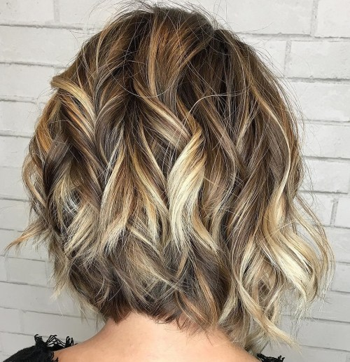 Wavy Inverted Bob With Blonde Highlights