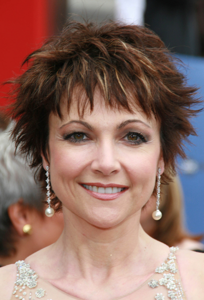 short shaggy haircut for older women