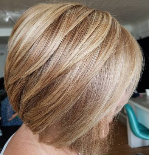 Honey Blonde Layered Bob Blowout
