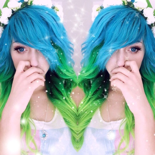 blue and green scene hairstyle