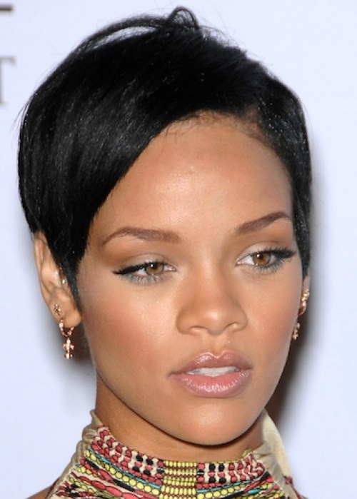 Peachy 15 Heart Stopping Looks Featuring Rihanna39S Short Hairstyles Short Hairstyles For Black Women Fulllsitofus