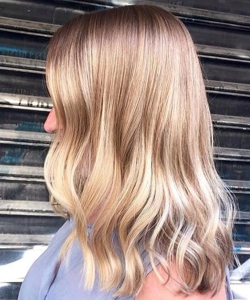 Wonderful Brown Blonde Wavy Hairstyle