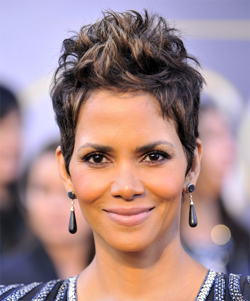 Celebrity Hairstyles 2018 Halle Berry Hairstyles Short Haircut