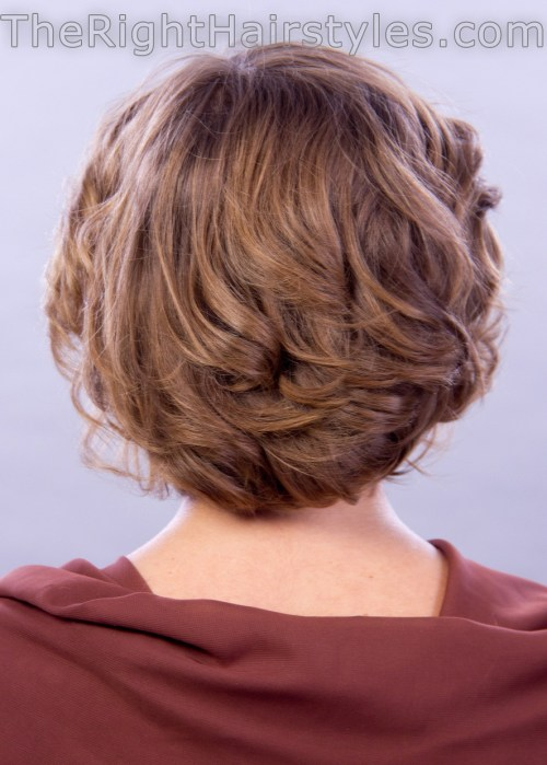 voluminous curly hairstyle for short fine hair