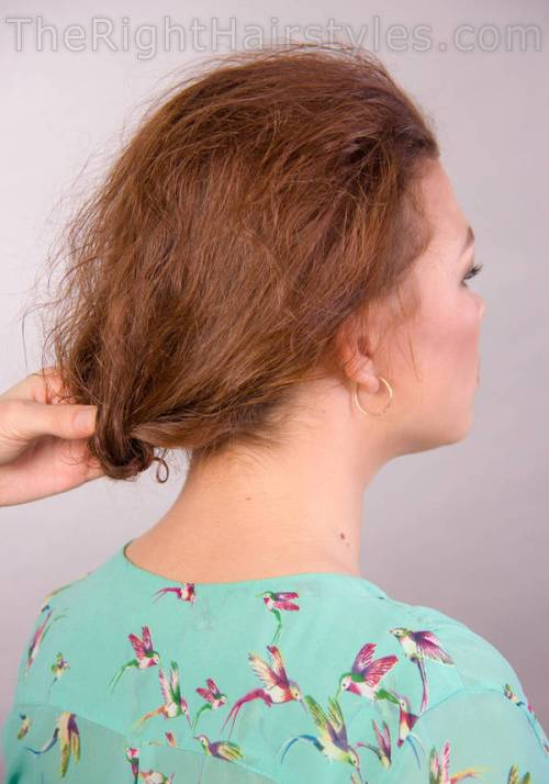 styling loose updo