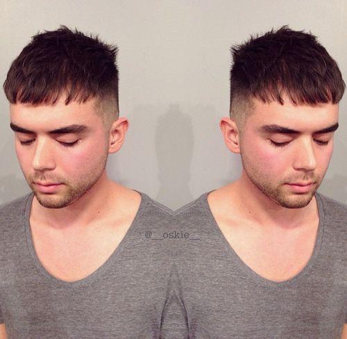 men's choppy haircut with short sides