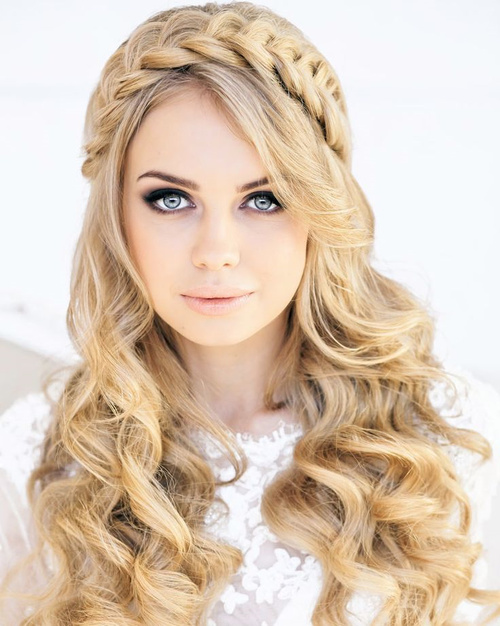 beach wedding long curly hairstyle
