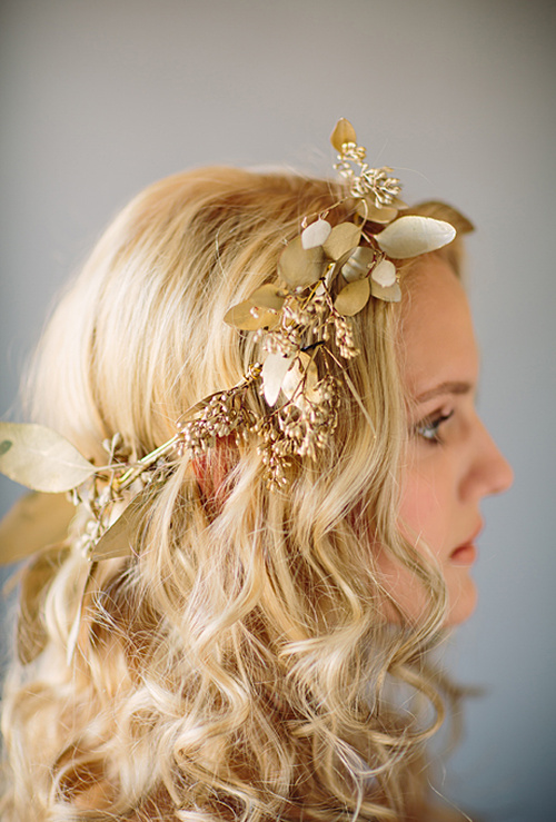 beach wedding simple medium hairstyle