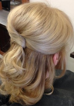 half up wedding hairstyle for medium hair