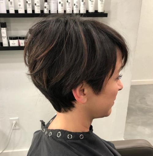 45 Best Short Hairstyles For Thick Hair (2020 Guide)