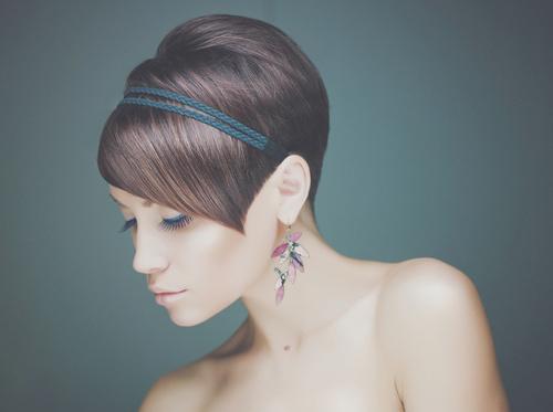 short asymmetric hairstyle for girls