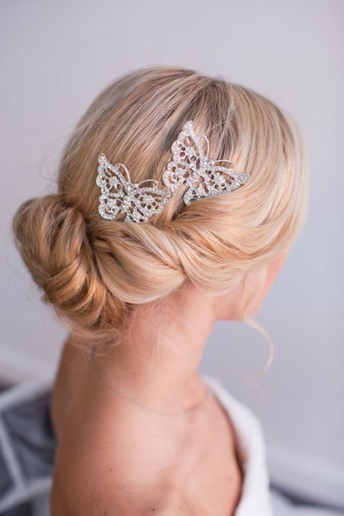 bridal updo for beach wedding