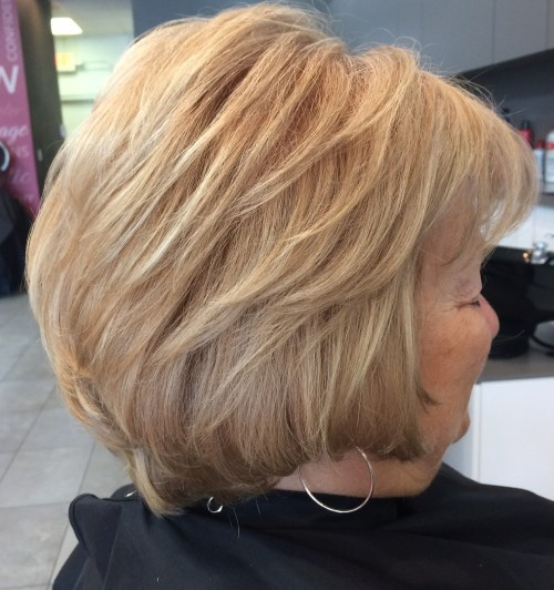 Chin-Length Layered Blonde Hairstyle